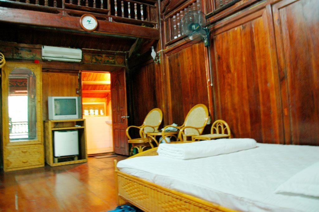 phòng khách sạn Thiên Sơn