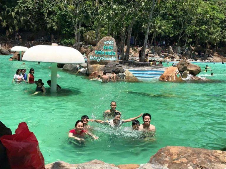 bể-bơi-Thiên-Sơn-Suối-Ngà-dep