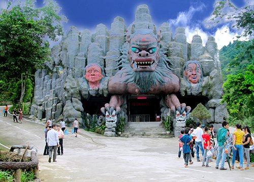 khoang-xanh-suoi-tien-dong-am-cung