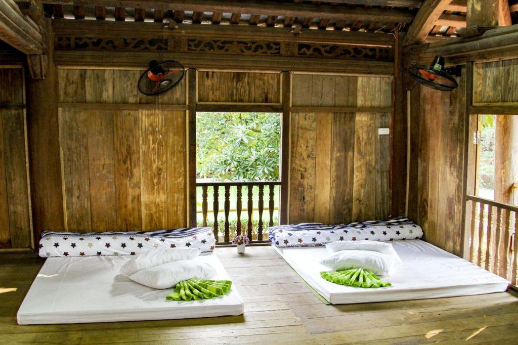 Nhà sàn khu du lịch Long Việt