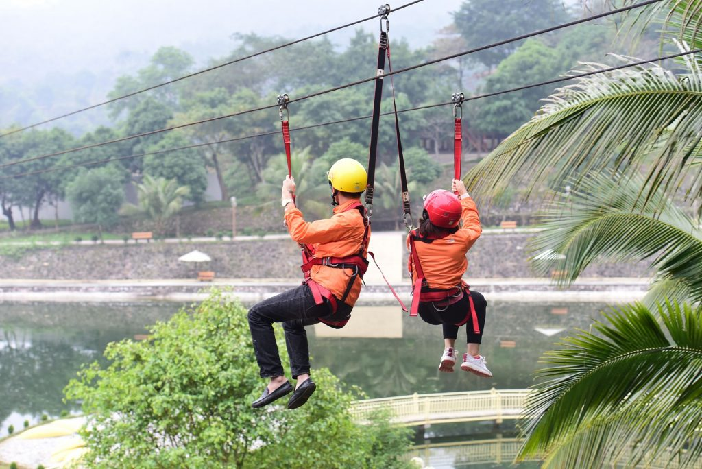 truot-zipline-paragon-hill-resort-ba-vi