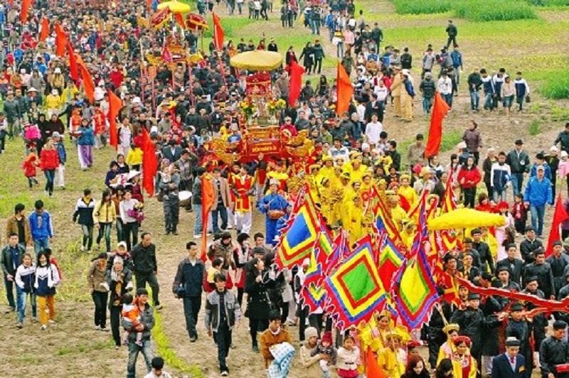 Lễ hội ở núi Tản Viên