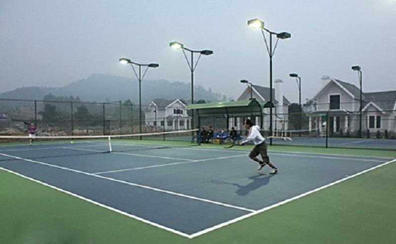 Bạn có thể chơi Tennis tại đây-resort có khu vui chơi trẻ em gần hà nội